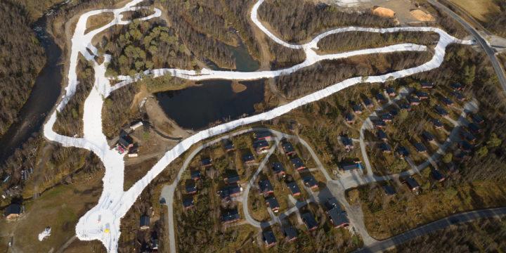 Säsongspremiär för längdskidor på sparad snö 13 oktober